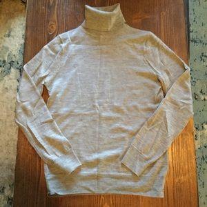 J Crew turtleneck sweater, gray, Small.